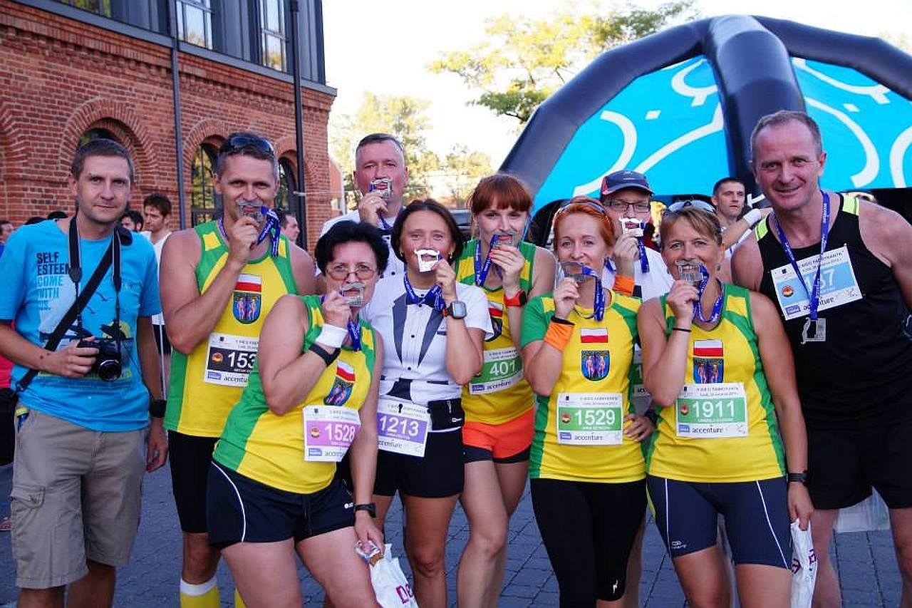 zawody biegowe, uczestnicy 5 Bieg Fabrykanta